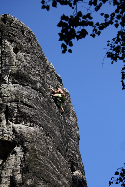 Robin Kaleta competently braves the long run-out in one of the more recent routes near Adršpach © Rest Jug
